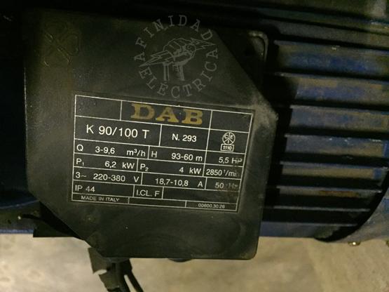 Este tablero alimentará a dos bombas centrífugas trifásicas marca DAB, modelo K90/100T.