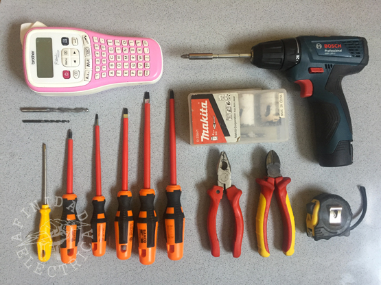 Para realizar esta tarea serán necesarias las siguientes herramientas: