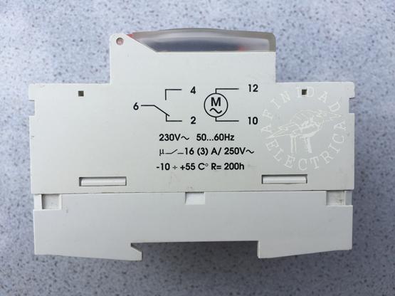 Conexión de un reloj timer electromecánico ABB AT3-R