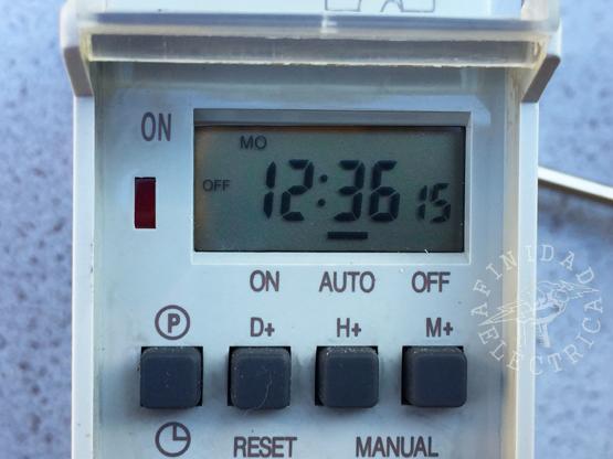 Reseteamos el reloj timer y lo ponemos en hora. En este ejemplo es lunes a las 12:36 hs.