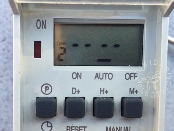 Presionamos una vez la tecla P (programa) para iniciar la carga de apagado OFF del programa 2.
