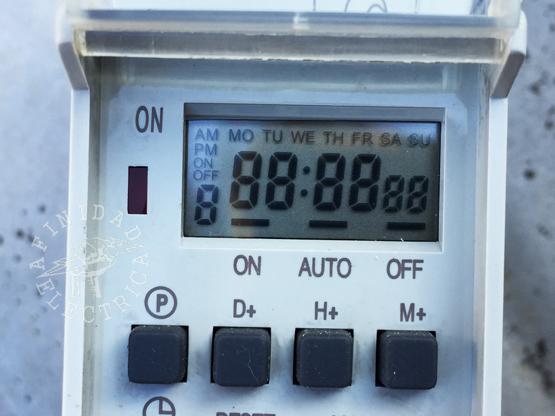 Luego de reseteado, el timer se reinicia con una prueba de display exponiendo todos los símbolos.