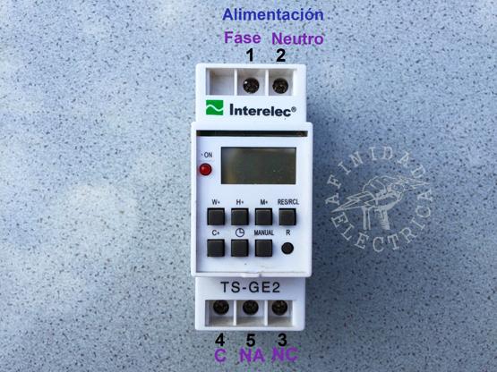 Conexión de un interruptor horario Interelec TS-GE2.