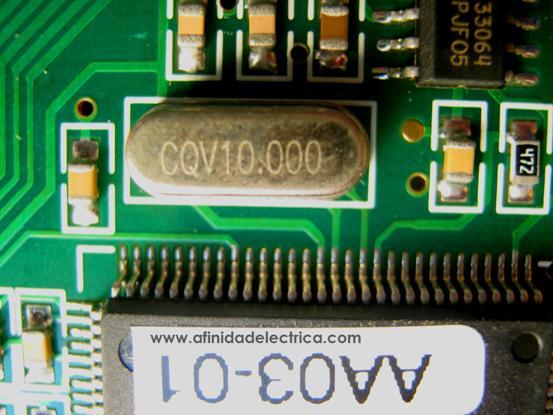 El circuito del RTC generalmente está basado en un oscilador de cristal externo de 32,768 kHz.