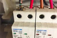 Los síntomas de una instalación eléctrica peligrosa.